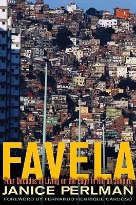 Favela: Cuatro Décadas de Vida en el Borde en Río de Janeiro