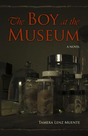 El muchacho en el museo